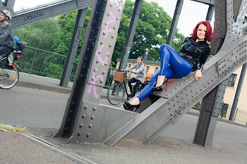 Crazy Outfits Bluse mit blauer Leggings