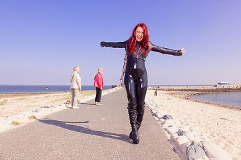 Latex dans le public Kugelbake Cuxhaven