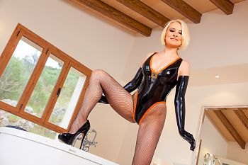 High Heels Latex und Spa