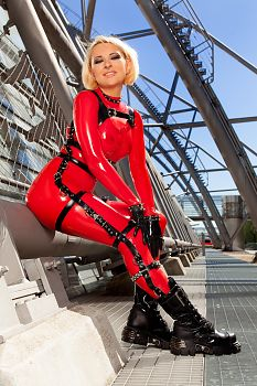 Boots Latex and Steel Design