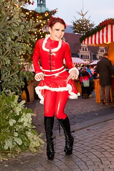 Latex in Public Sexy Christmas Girl