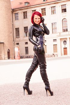Latex Catsuit Sexy Ledermantel in Weimar