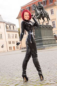 Over Knee Boots Sexy Leather Coat in Weimar