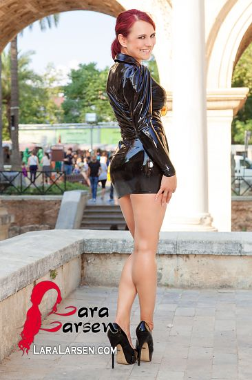 Business Girl en latex