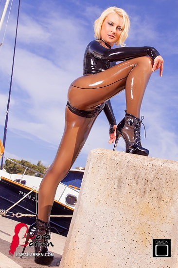 Latex Catsuit en Porto Petro