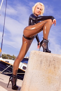 Latex Catsuit in Portopetro