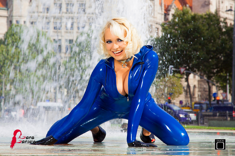 Rubber Doll in Latex