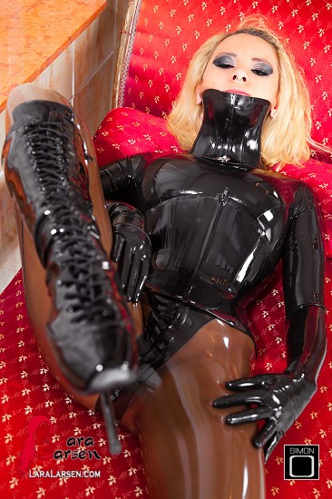 Can suggest latex armbinder demo