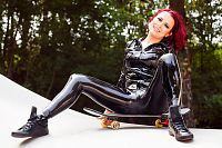 Skateboard Latex Girl