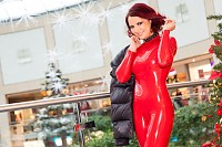 Weihnachten Shopping in Latex