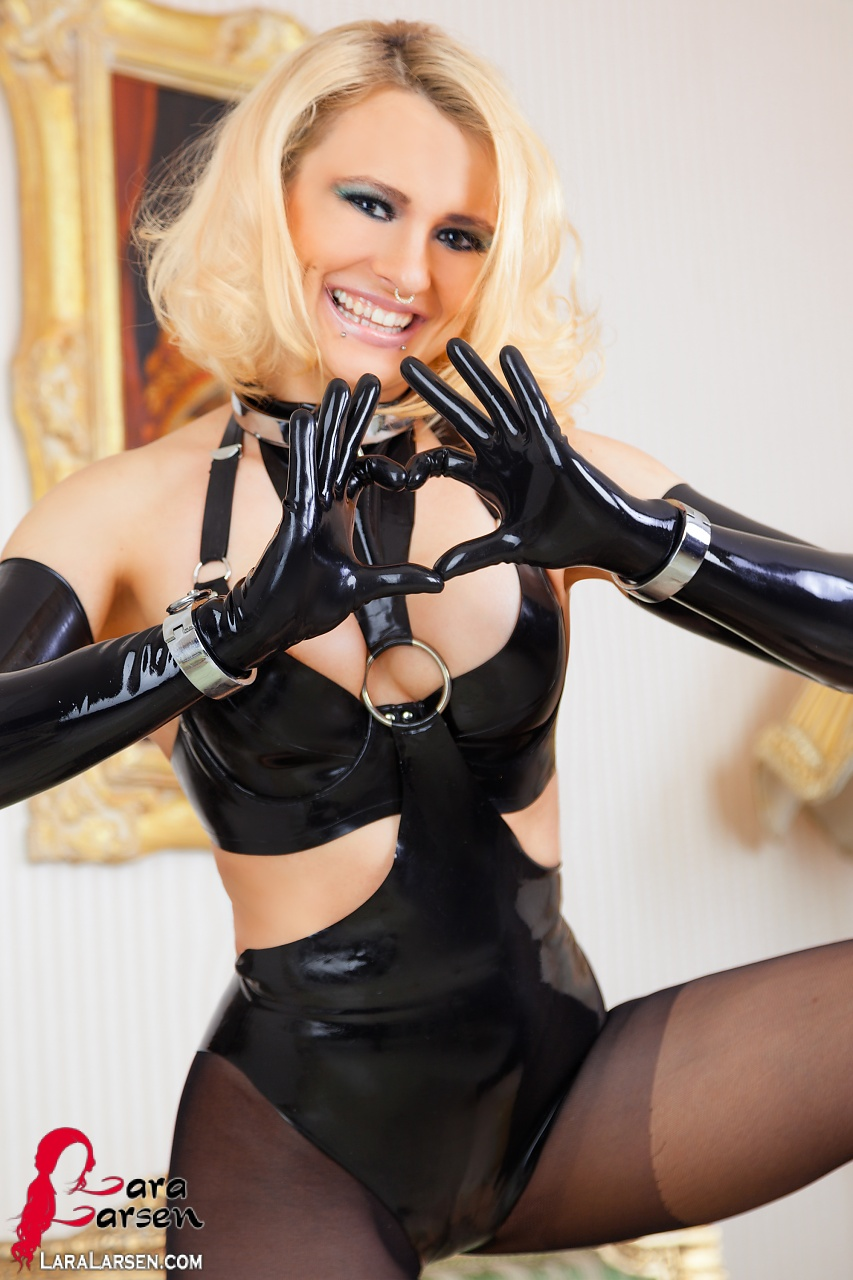 Latex Bondage Photos 74