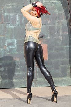 Tight Black Pants